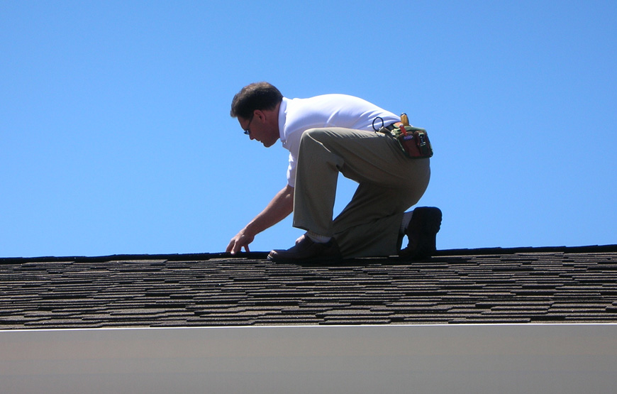 Commercial Roof Maintenance Plantation,  Florida - Call us today to American Quality and book your service man for your roof,  we will ensure you roof is roof is kept in good condition with our inspection,  maintenance.